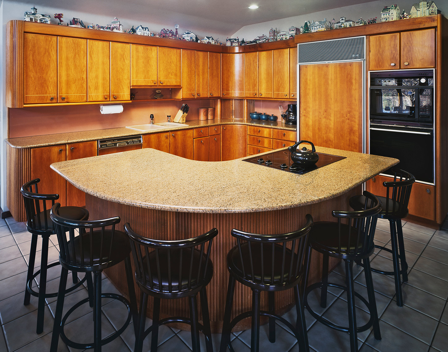 1 Custom Contemporay Kitchen Cherry and Mahogany