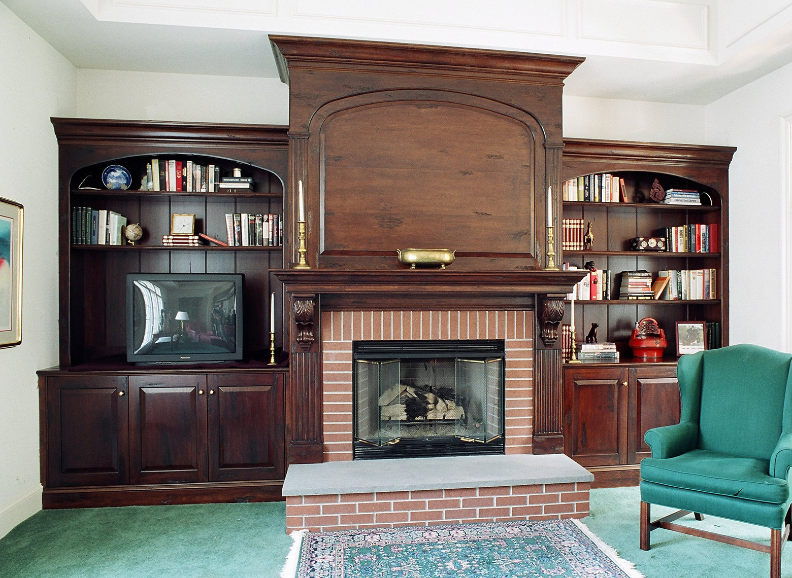 Custom-Woodworking-Traditional-Fireplace surround -Wall