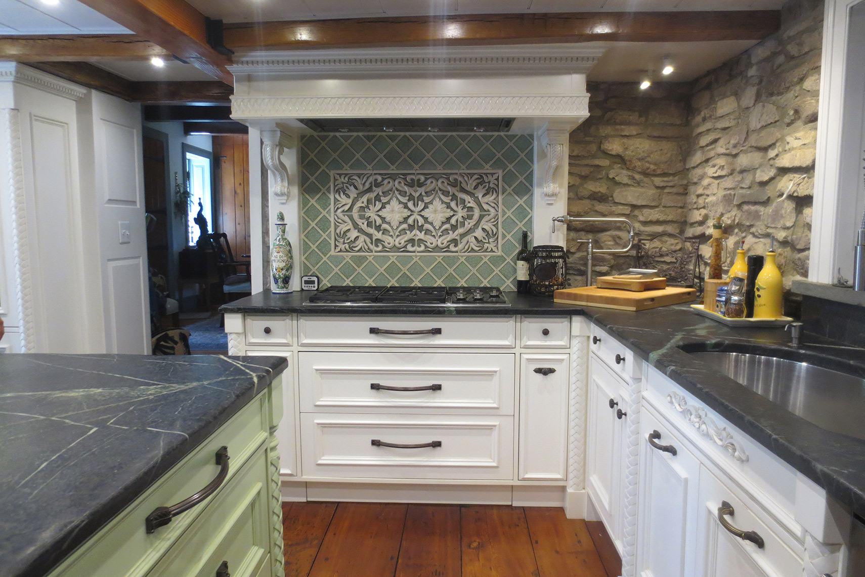 Traditional, classic custom kitchen cabinets, painted, carvings 4